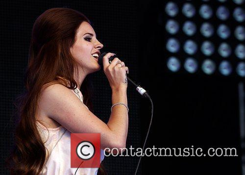 Lana Del Rey and Lovebox 7