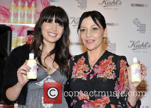 pearl lowe and daisy lowe pose for 3781103