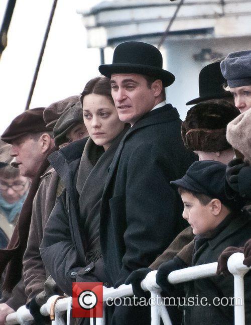 Marion Cotillard and Joaquin Phoenix 4