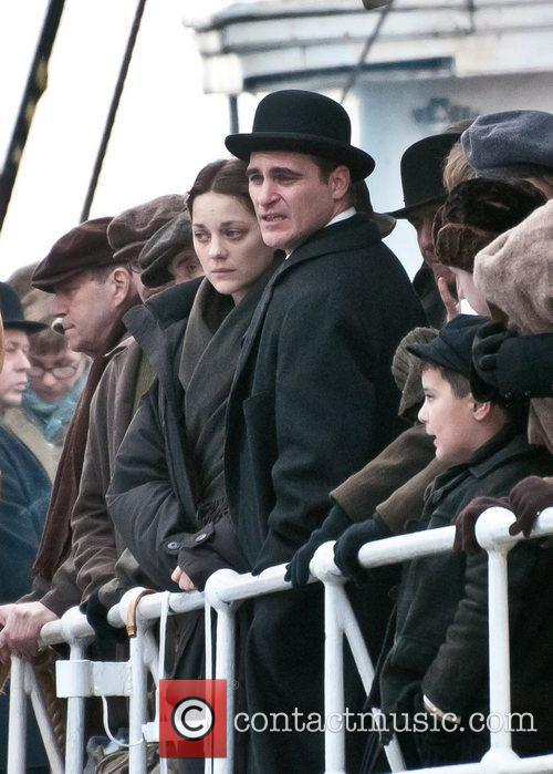 Marion Cotillard and Joaquin Phoenix 6