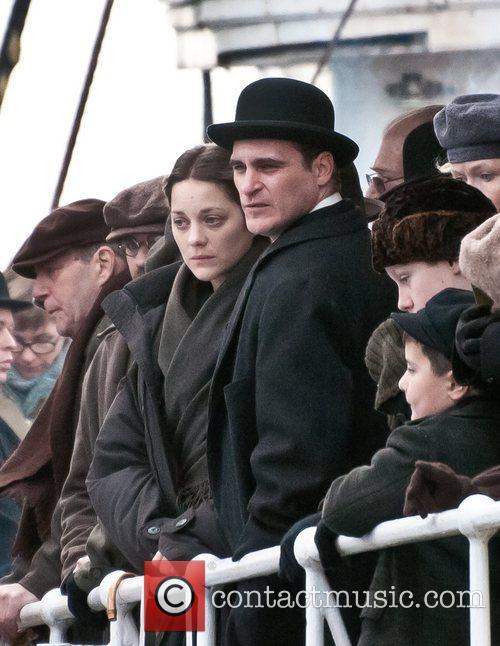 Marion Cotillard and Joaquin Phoenix 7