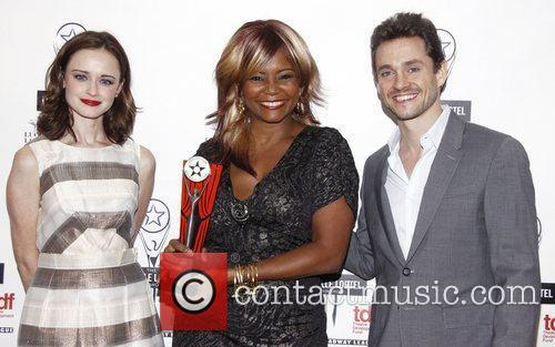 Alexis Bledel, Hugh Dancy and Tonya Pinkins 7