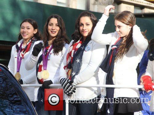 Kyla Ross, Aly Raisman, Jordyn Wieber and Maroney 5