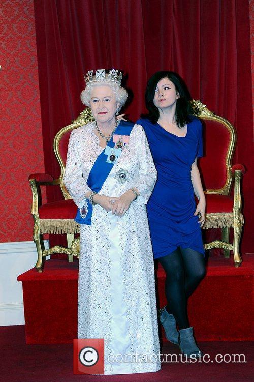 Madame Tussauds and Queen Elizabeth Ii 7