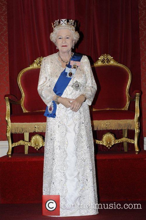 Madame Tussauds and Queen Elizabeth Ii 8