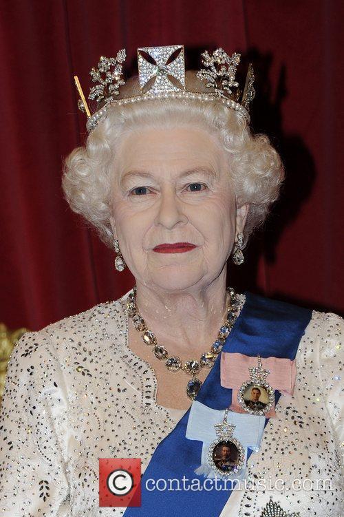 Madame Tussauds and Queen Elizabeth Ii 9
