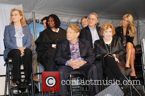 Meryl Streep, Anne Meara, Jerry Stiller, Kelly Ripa, Robert De Niro and Whoopi Goldberg 4