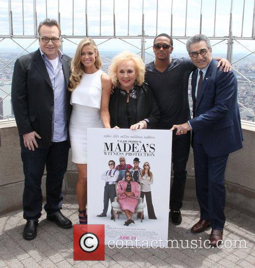 Tom Arnold, Doris Roberts, Eugene Levy and Romeo Miller 4