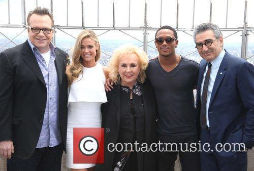 Tom Arnold, Doris Roberts, Eugene Levy and Romeo Miller 1