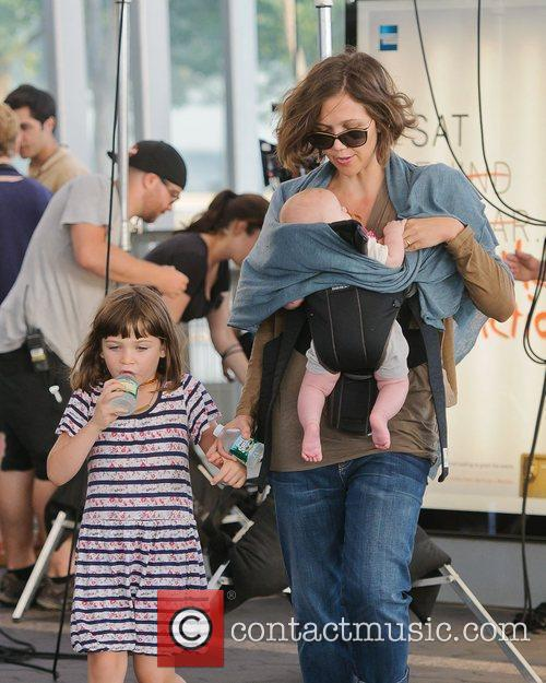 Photo of Maggie Gyllenhaal & her Daughter   Gloria Ray Sarsgaard