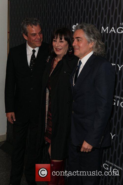 Danny Huston, Anjelica Huston and Mitch Glazer 5
