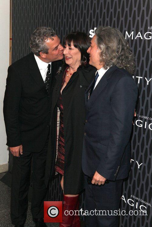 Danny Huston, Anjelica Huston and Mitch Glazer 6