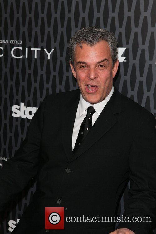 Danny Huston 9