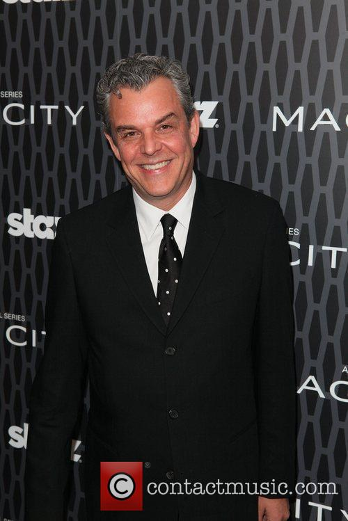 Danny Huston 10