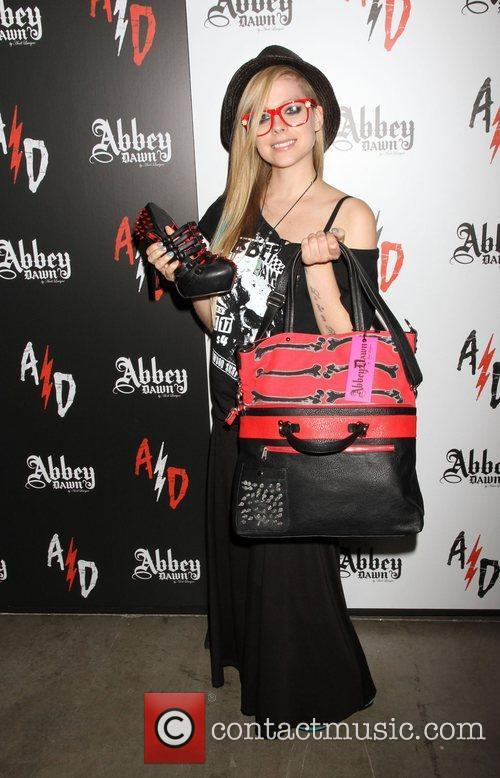 avril lavigne visits abbey dawn booth at 4042785