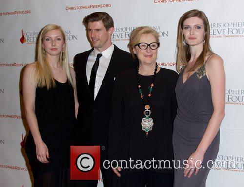 Anna Lo Westin, Matthew Reeve, Meryl Streep and Alexandra Reeve Givens 8