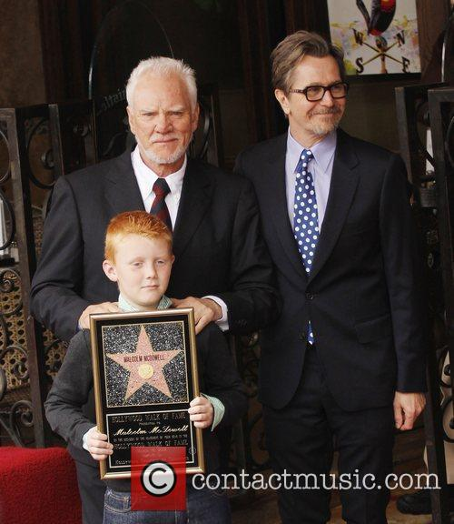 malcolm mcdowell with his son beckett and 3783534