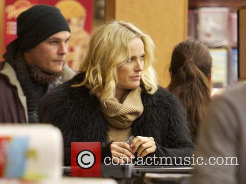 Malin Akerman Malin Akerman pays for her groceries...