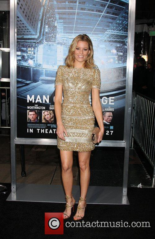 Elizabeth Banks and Grauman's Chinese Theatre 3
