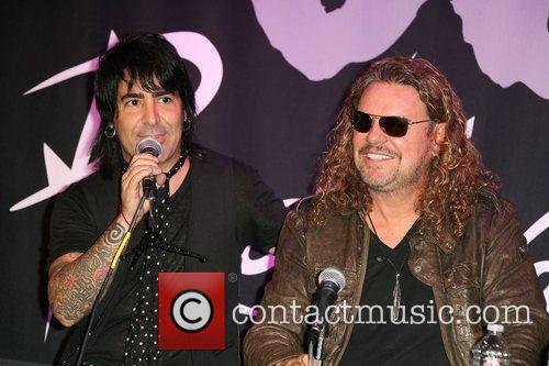 Alex Gonzalez and Fher Olvera 2