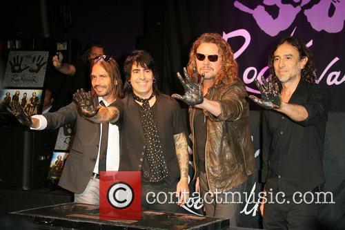 Sergio Vallin, Alex Gonzalez, Fher Olvera and Juan Calleros 9