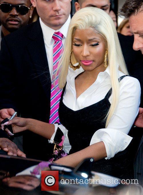 Nicki Minaj and Manhattan Hotel 7