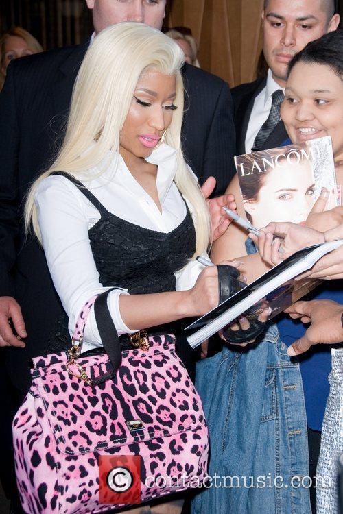 Nicki Minaj and Manhattan Hotel 8