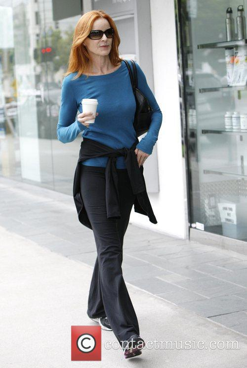 marcia cross grabs a coffee in brentwood 3922971