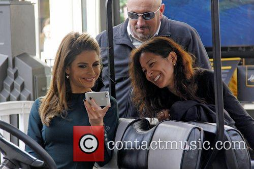 Extra and Maria Menounos 2