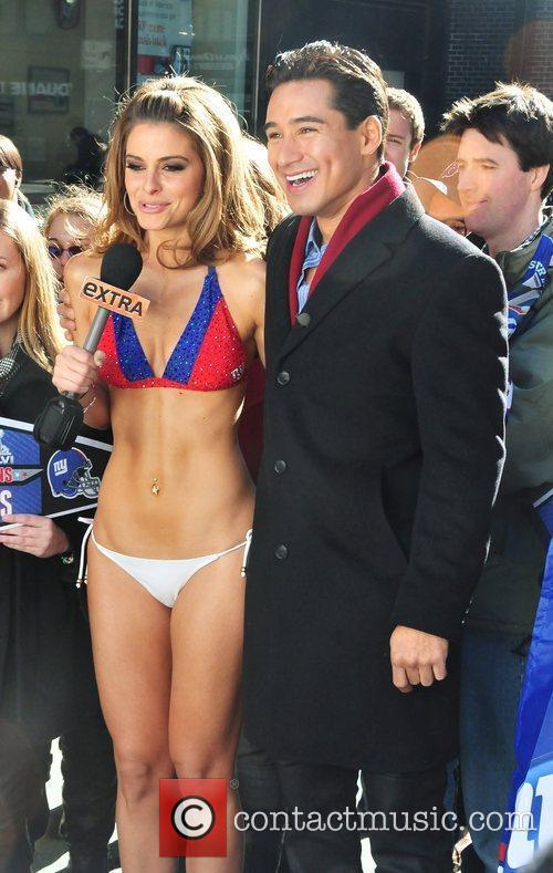 maria menounos wears a new york giants 5790582