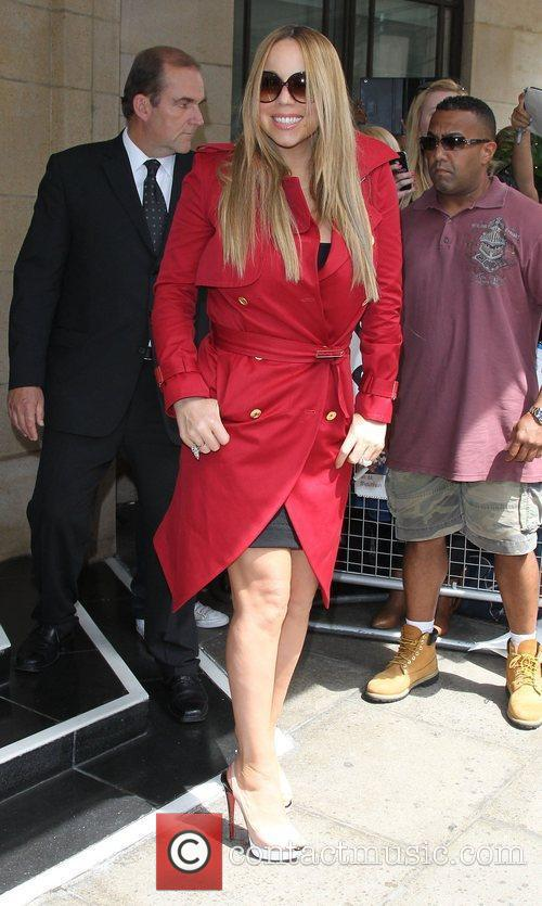 mariah carey outside a central london hotel 3962946