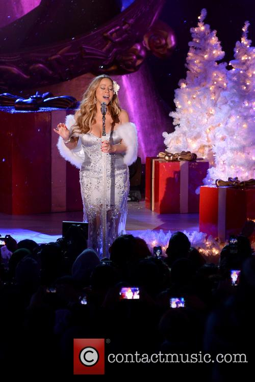 Mariah Carey, Tree Lighting Ceremony and Rockefeller Center 15
