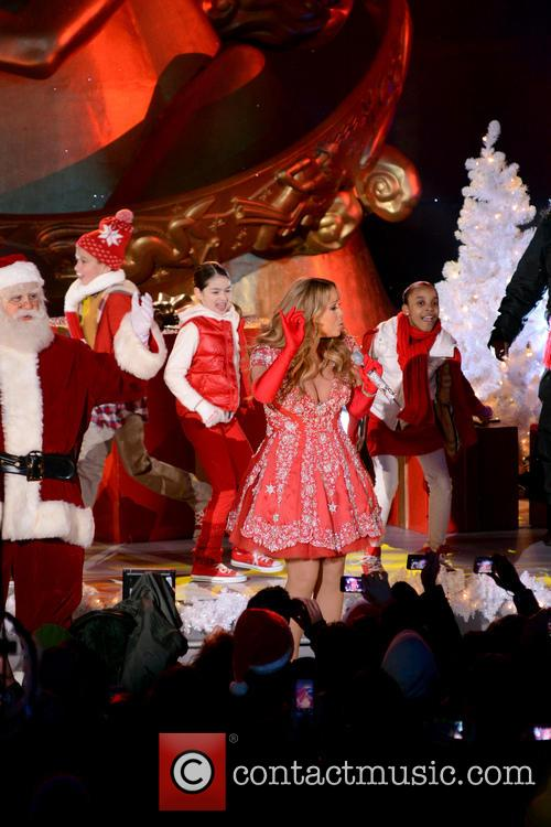 Mariah Carey, Tree Lighting Ceremony and Rockefeller Center 23