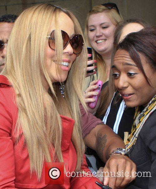mariah carey outside a central london hotel 3962998