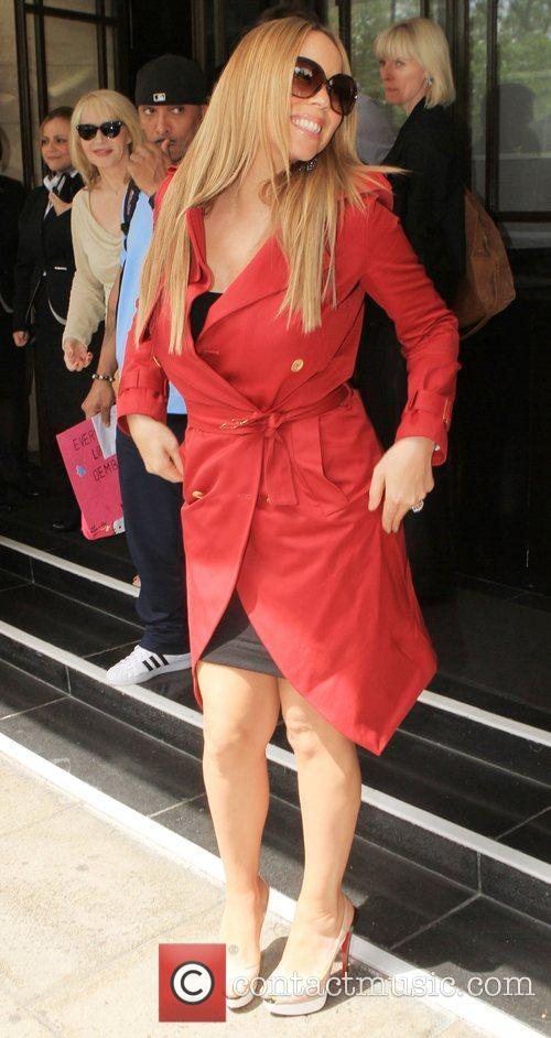 mariah carey outside a central london hotel 3963009