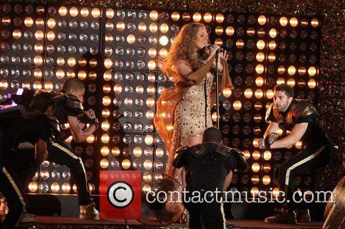 mariah carey performs during the 2012 nfl 5905165
