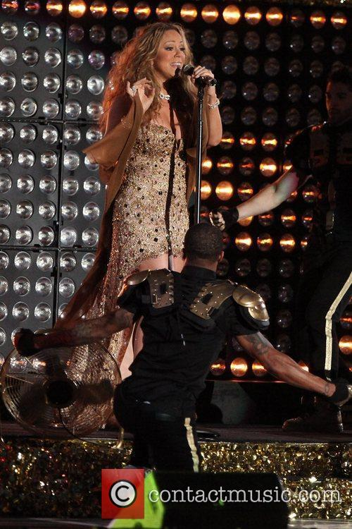 mariah carey performs during the 2012 nfl 5905170