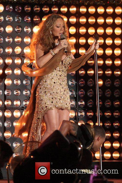 mariah carey performs during the 2012 nfl 5905174