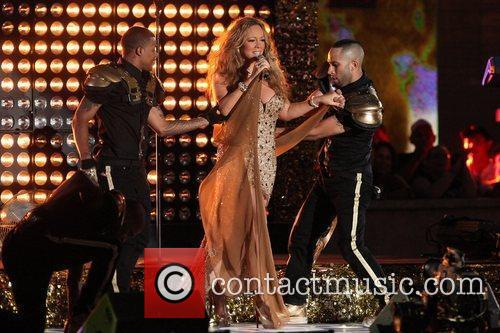 mariah carey performs during the 2012 nfl 5905175