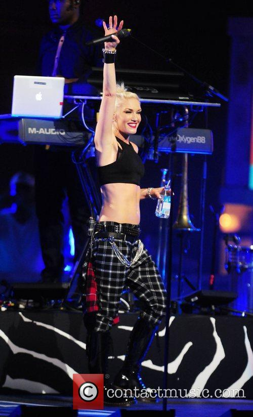 Gwen Stefani and No Doubt 27