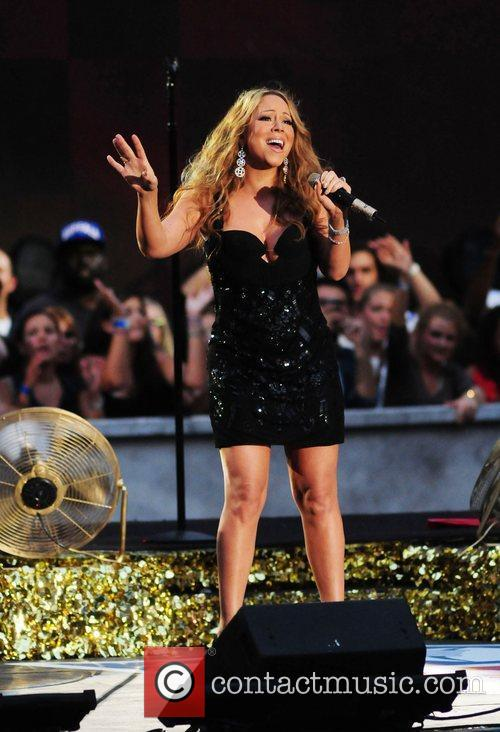 mariah carey performs during the 2012 nfl 4060704
