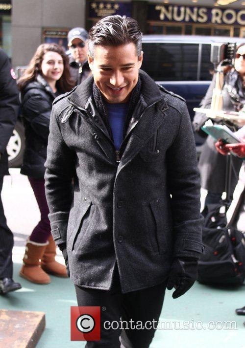 Mario Lopez and Times Square 4