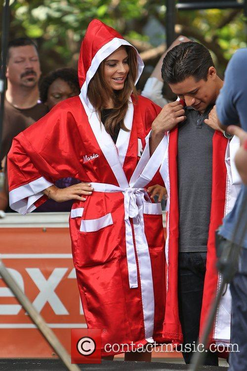 Extra, Maria Menounos and Mario Lopez 17
