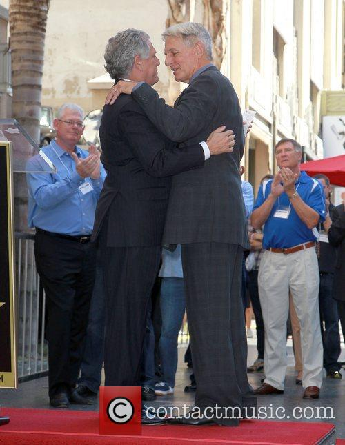 Mark Harmon, Leslie Moonves and Star On The Hollywood Walk Of Fame 9