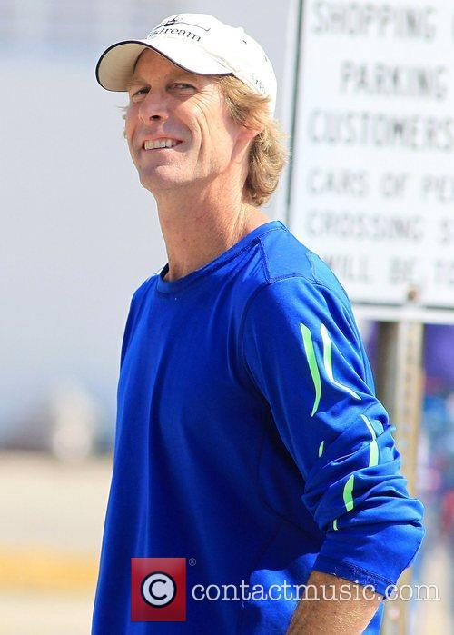 michael bay directs a film chase scene 3811005