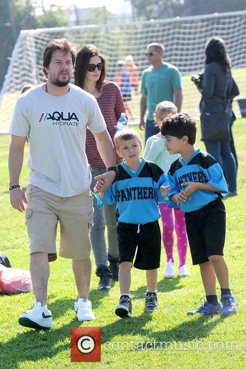 Rhea Durham, Ella Wahlberg, Michael Wahlberg and Mark Wahlberg 6