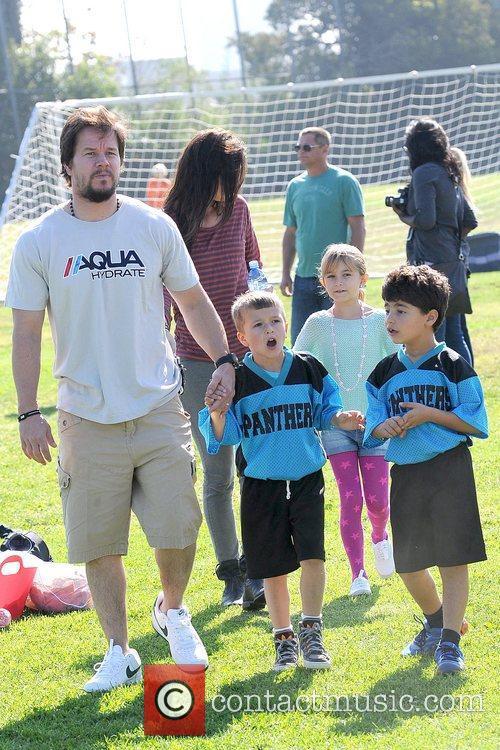 Rhea Durham, Ella Wahlberg, Michael Wahlberg and Mark...