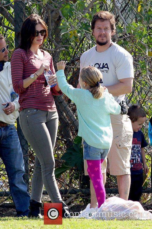 Rhea Durham, Ella Wahlberg and Mark Wahlberg Mark...
