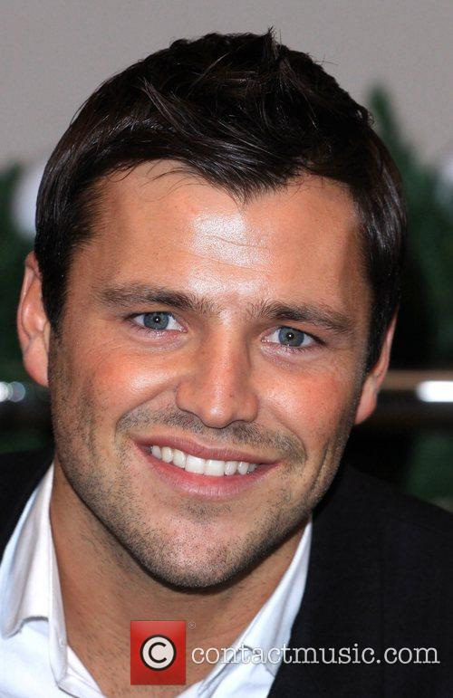mark wright signs his calendar at selfridges 5770471