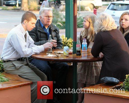 martin sheen has lunch with his family 3797342
